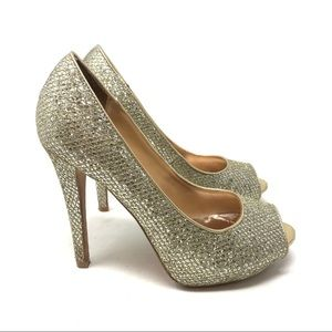 Badgley Mischka Shoes - Badgley Mischka 6 Gold Humbie Glitter Pumps Sequin